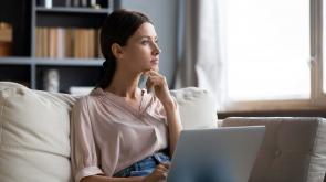girl-laptop-thinking-scaled