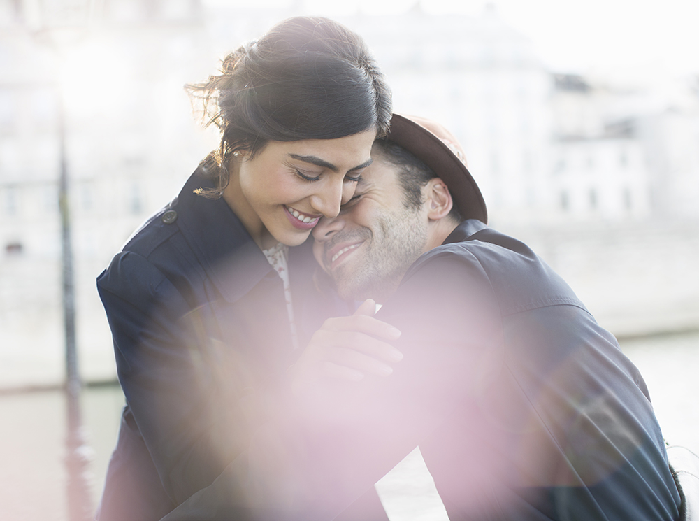 Признание в любви мужчине своими словами. СМС мужчине до слез