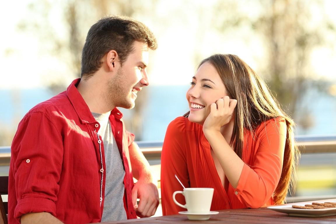 Почему девушка общается с бывшим парнем