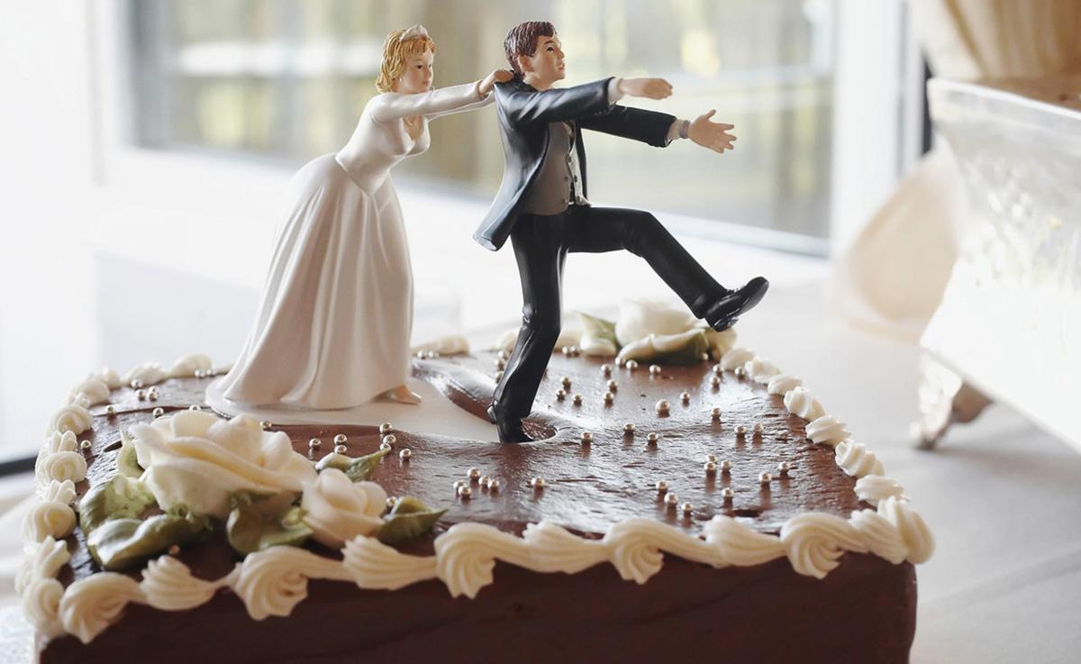 Мужчина избегает свадьбы