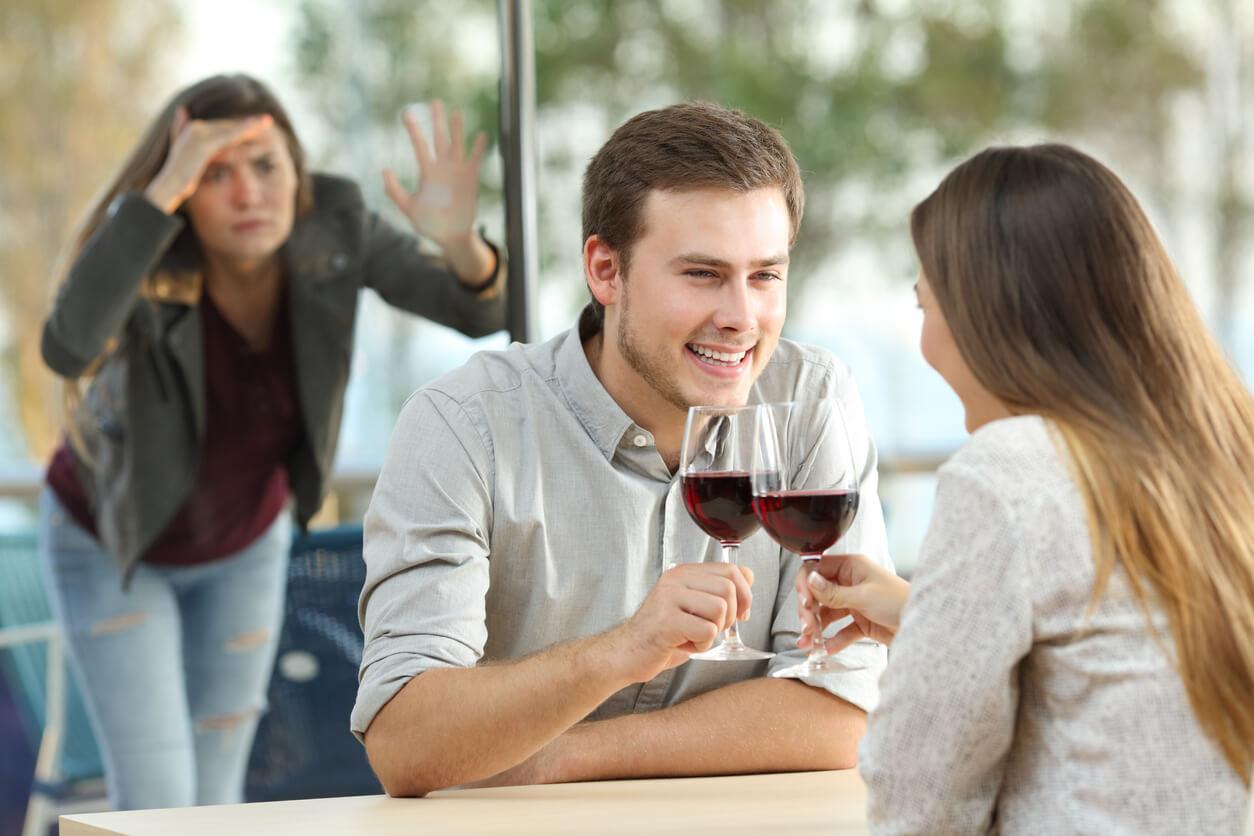 Свободные отношения – признак счастливой жизни?