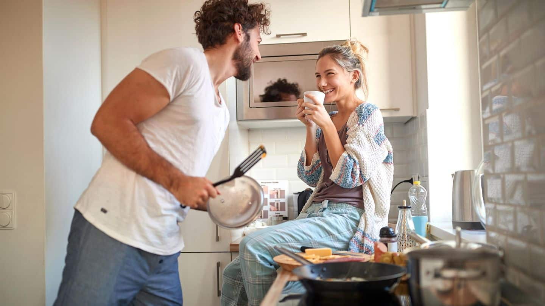 парень и девушка с утра